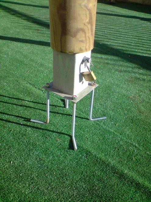 atout bois borne amovible en rondins pin trait autoclave classe 4. Black Bedroom Furniture Sets. Home Design Ideas