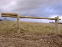 barriere-basculante-en-rondins.jpg