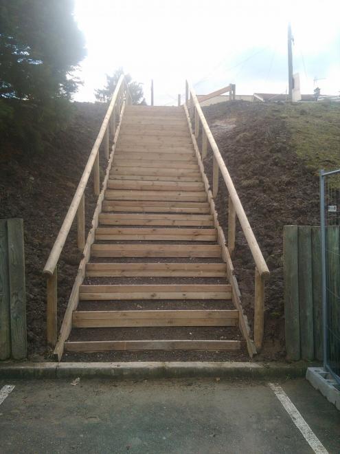 Escalier macdo firminy24marches main courante 20 02 18 8